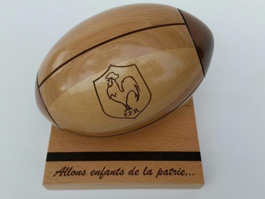 ballon rugby bois
