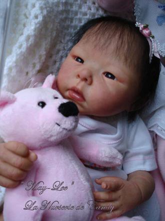 bébé reborn asiatique