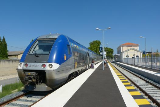 carpentras avignon train