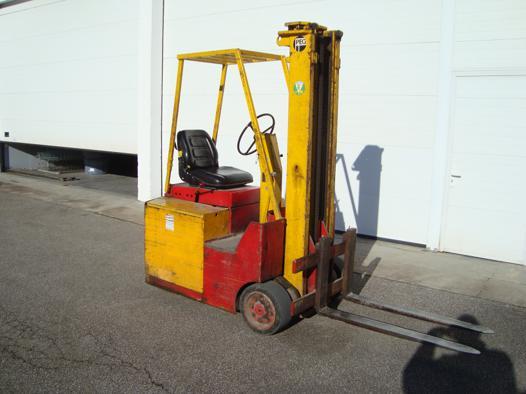 chariot elevateur peg