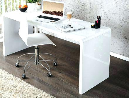 grand bureau blanc