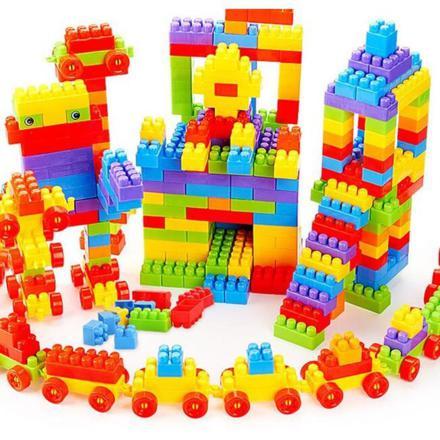 jeux de construction avec des cubes