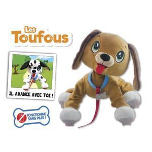jouet chien qui marche avec laisse