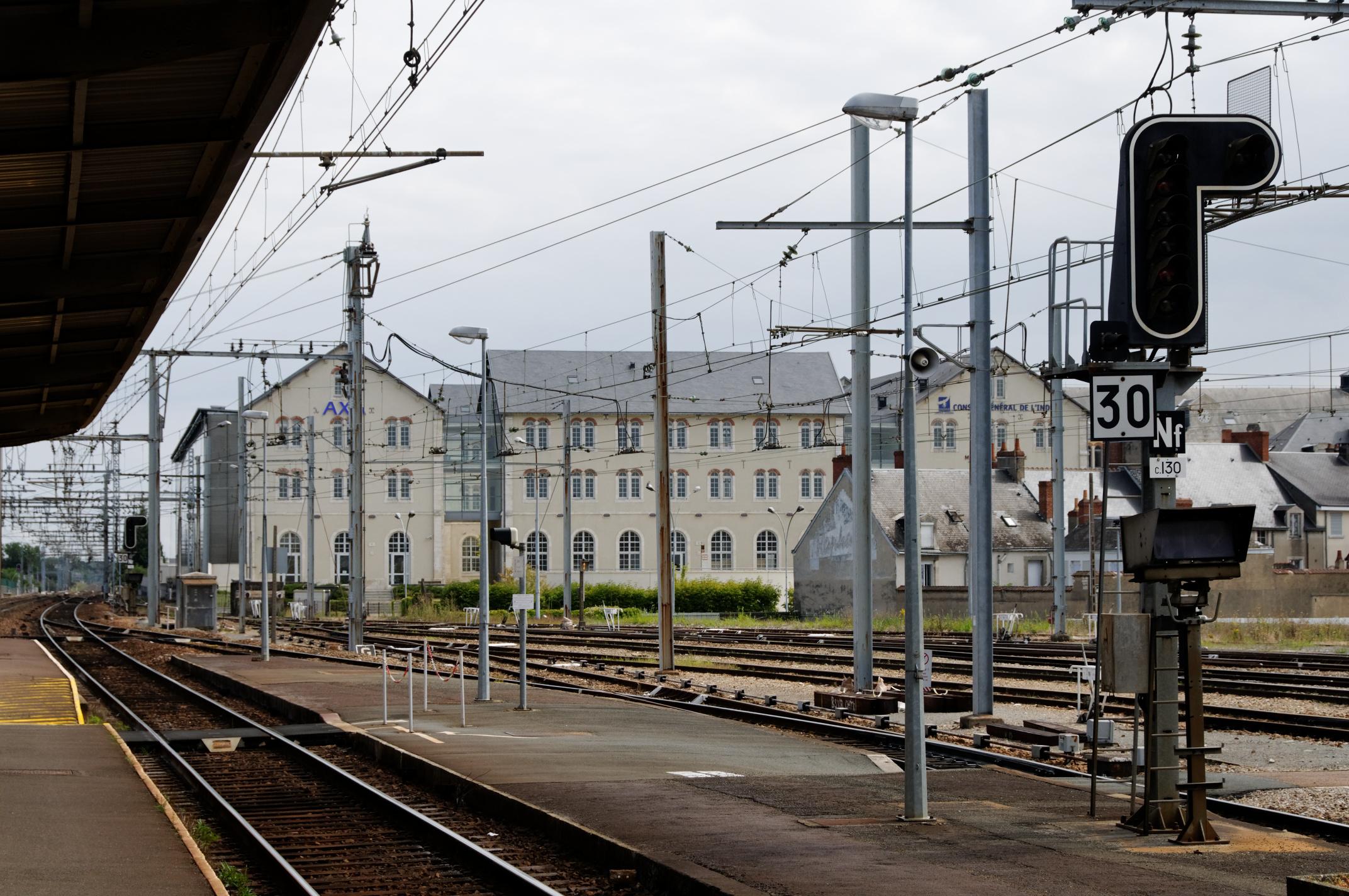 orleans chateauroux train