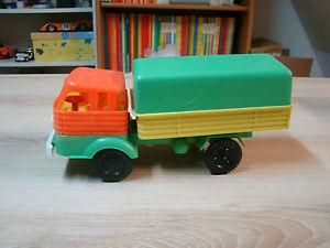 petit camion jouet
