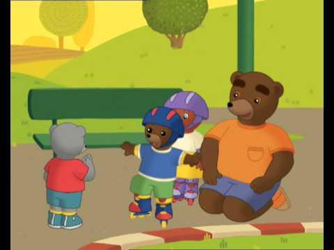 petit ours brun fait du roller