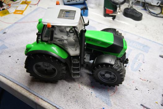 tracteur radiocommandé bruder